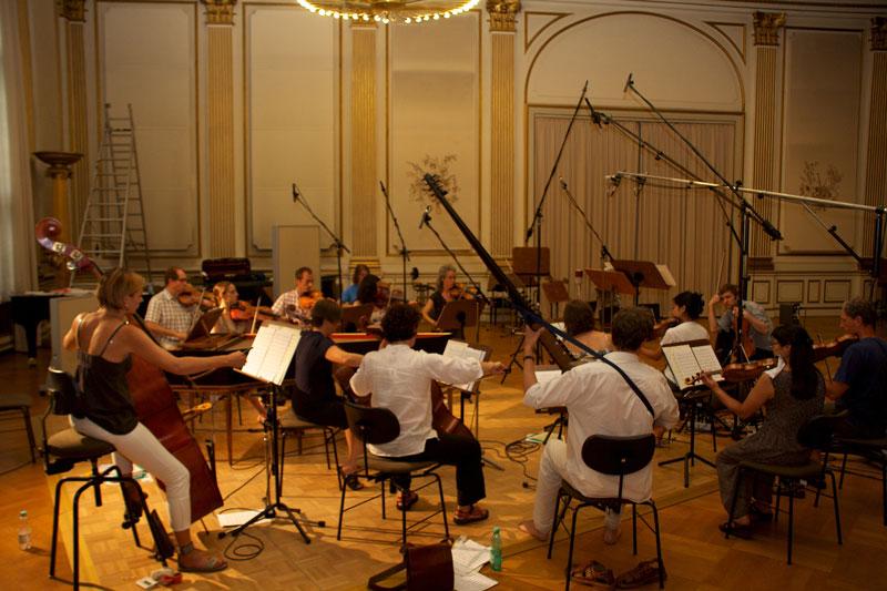 CD Production Nils Mönkemeyer / Sony 2010 at Siemensvilla Berlin. The Kammerakademie Potsdam is reheasing.