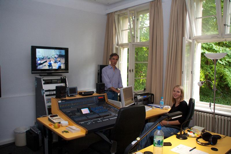 CD Production Nils Mönkemeyer / Sony 2010 at Siemensvilla Berlin. Recording engineers Henry Thaon and Johanna Vollus (both Deutschlandradio)
